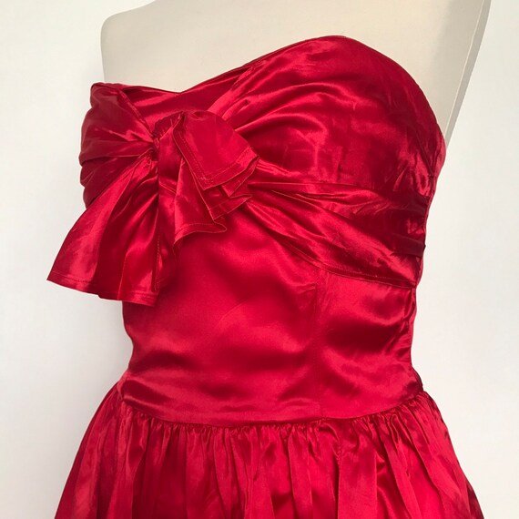 Vintage dress, bustier dress, boned, strapless, satin dress,red dress,party,bow,50s style,flared skirt,prom,red satin,UK 8,sweetheart,