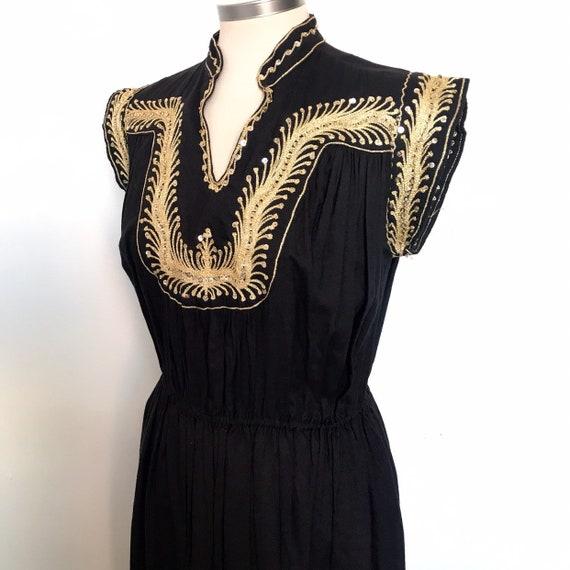 Vintage dress,gold embroidery,boho,hippie,70s dress,cotton,black and gold,Indian cotton,UK 12,kaftan,eastern,Yemenite