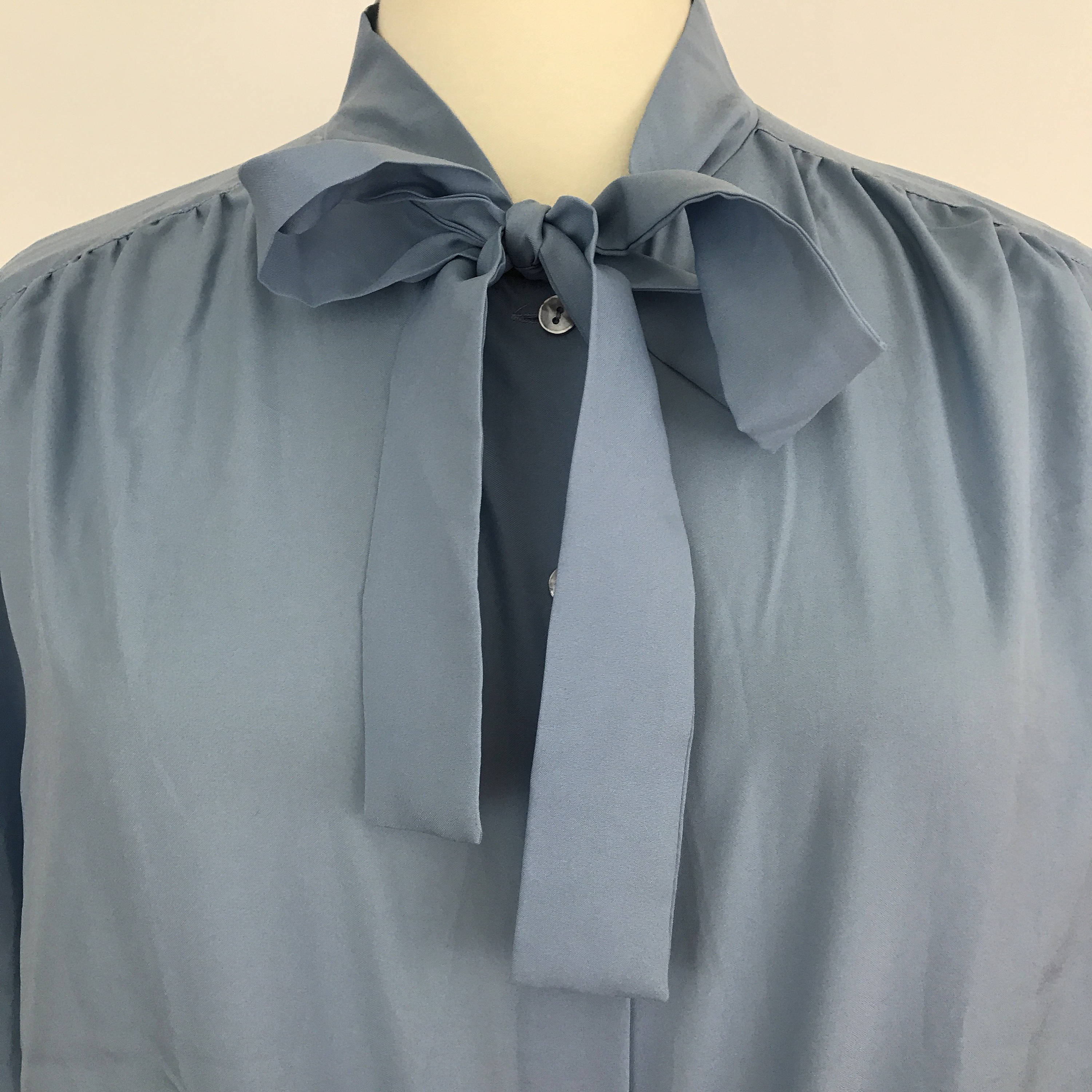 05275694ec5686 Vintage blue blouse bow tie shirt 1970s made 50s 40s style sexy ...