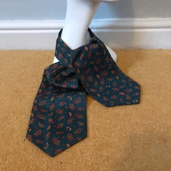 Vintage cravat, duggie cravat,green paisley,1950s,classic neck tie gent chap,vintage menswear,Mod,60s
