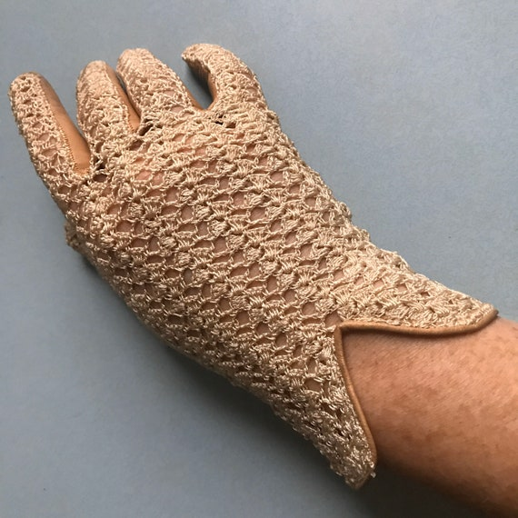 Vintage gloves,camel leather,Crochet, Leather,lace Leather,1920s, 30s Gloves,bridal,WEdding,M,7,two tone,1950s