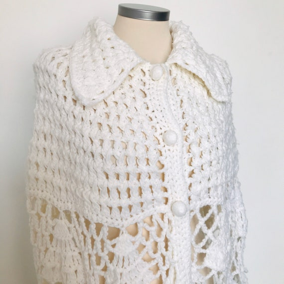 Vintage crochet cape, hand crochet, knitted cape, cream,vintage cape, handmade, buttermilk, small, hippie, flower power, bridal