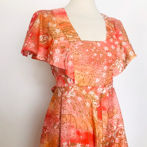 vintage dress,orange dress,tea dress,abstract floral,1970s dress,babydoll,UK 8,flared sleeves sundress flower power summer,festival,peach