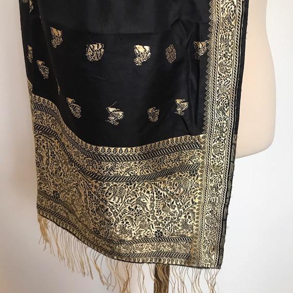 Vintage indian shawl, sari, elephants, gold shawl, big long vintage scarf ,evening wrap,tassels,glamour wedding bride,black,gold,India