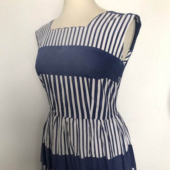 1950s cotton dress,vintage dress,stripey dress,nautical,blue and white,UK 14,major fade,sun damage,50s dress,sundress