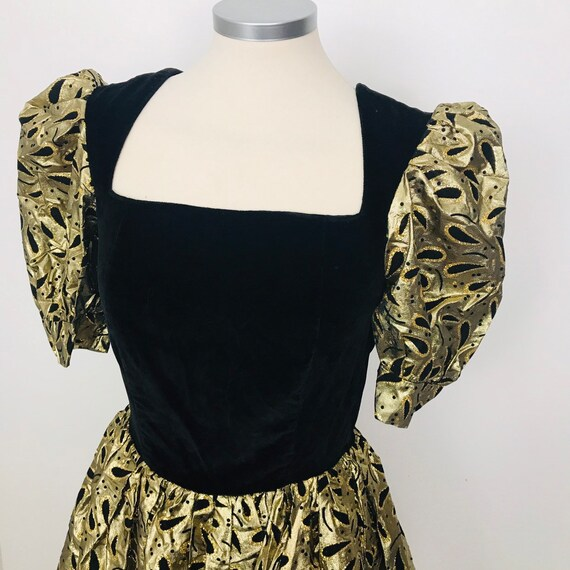 1980s dress, gold dress, flocked, skater skirt, Trashy, 80s, lamè, velvet, party dress, madonna, cocktail dress metallic