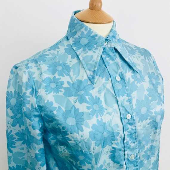 1970s shirt, Mod blouse, blue blouse, long sleeves, flower power, scooter girl, UK 12, dagger collar, 60s, silky