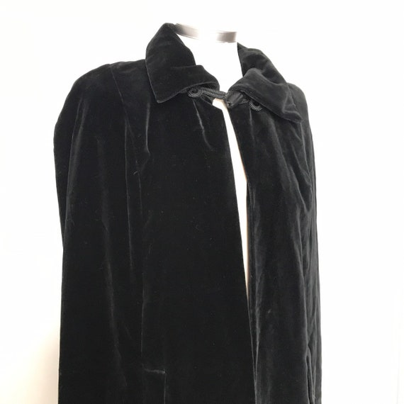 Vintage Cape,black velvet cape,gothic,1970s,Quad,goth,evening cape,long,maxi,cotton velvet,boho,festival,60s
