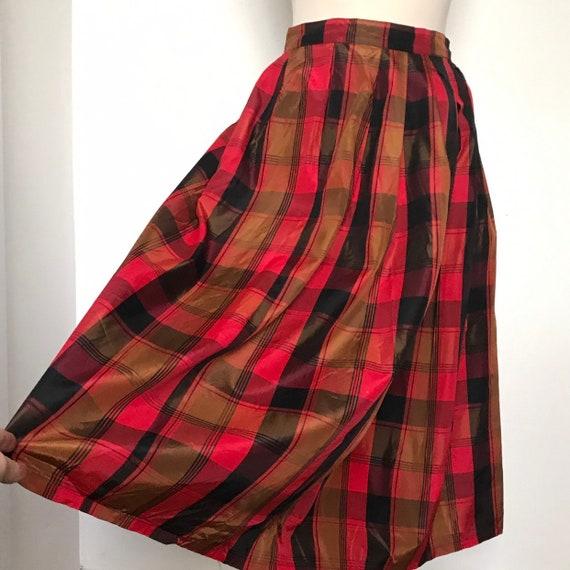 Vintage skirt, plaid skirt,tafetta, knee length skirt,red black,tartan,high waist,80s does 1950s rayon,gathered,UK 8 10