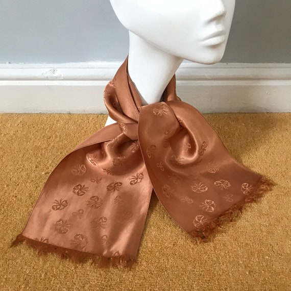 1940s cravat,bows, bow theme ,satin, peach, dusky pink, pink,neck tie,evening scarf,40s,cravat,fringed,silky fringing