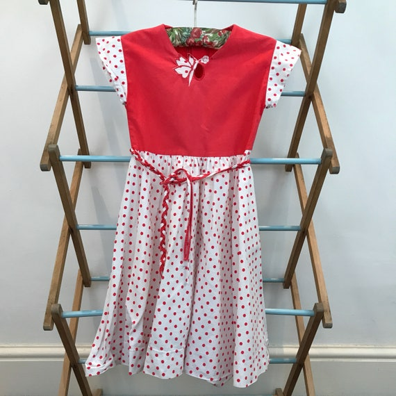 Vintage girls dress traditional style spotted print dress white red polka dot 6 years childrenswear classic 50s cotton 1960s