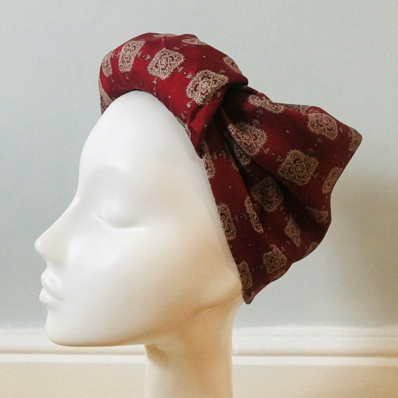 Vintage scarf,1950s scarf, paisley print,silk scarf,vintage square, paisley,red, scarf,burgundy,classic design,40s turban land girl