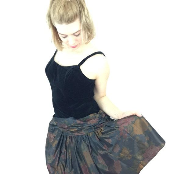 1980s dress black velvet floral tafetta full mini skirt goth alt girl vintage prom cocktail dress UK 12 80s party christmas dress