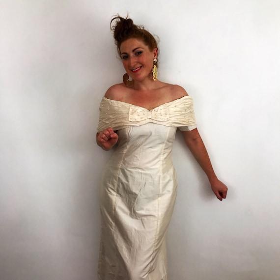 Vintage wedding dress, 1980s dress, silk bridal gown, UK 14, straight cut, hourglass, 50s style, bombshell, off shoulder, pearls, cream silk