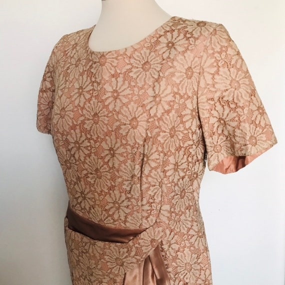 vintage dress,lace dress,blush,mink colour,vintage lace,60s dress,1960s dress,UK 12,14,Mad Men,1950s dress,lace dress,wedding,bridal