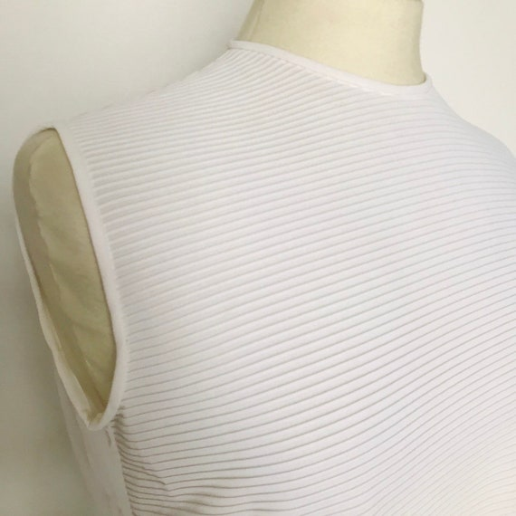 60s top,vintage blouse,white shirt,zip back,sleeveless,tank,Mod,scooter girl,GoGo,rib,UK 12 14