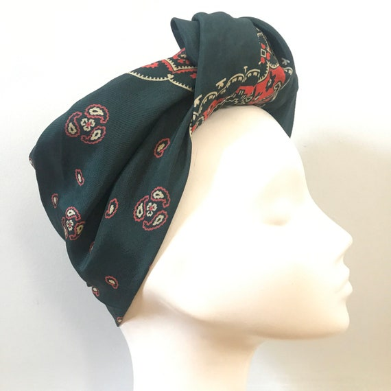 Vintage scarf,1940s scarf, paisley print,rayon,vintage square,paisley,forest green, large,classic design,turban, 40s, land girl