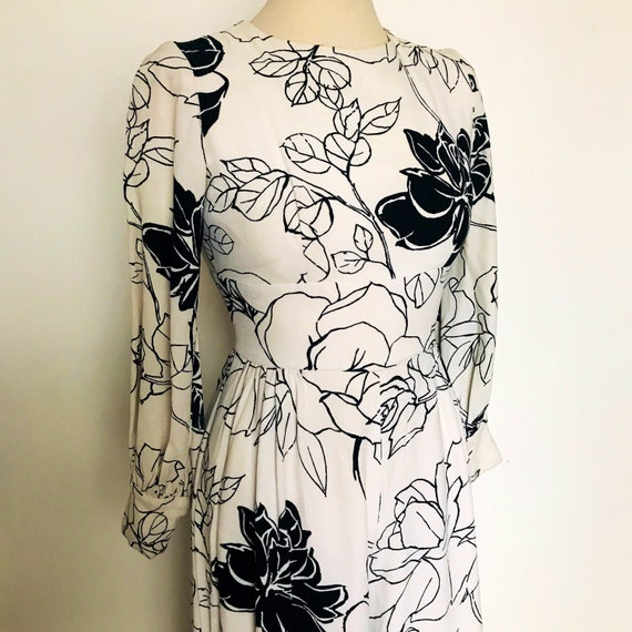Vintage jumpsuit,60s jumpsuit,vintage jumper,vintage rose print ,GoGo,catsuit,wide leg,balloon sleeves,white jumpsuit,UK 6, US 2,petite suit