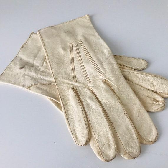 Vintage gloves, cream leather gloves,mens vintage, leather short gloves size 9, leather gloves 1950s, 1940s, mens gloves,XL ladies gloves