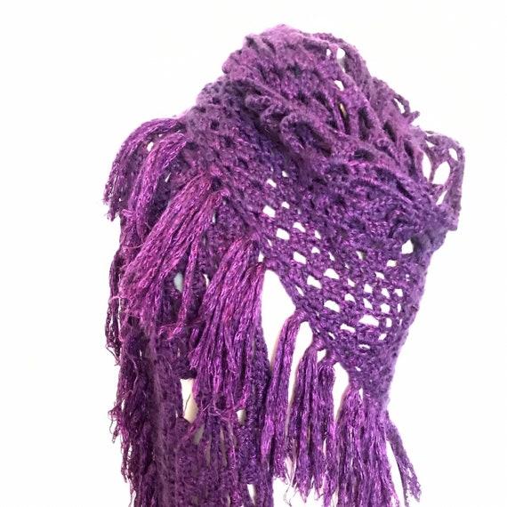 Vintage crochet shawl fringed chunky woolly scarf tasselled 1970s winter cape handmade large wrap boho purple vamp 70s flower motif
