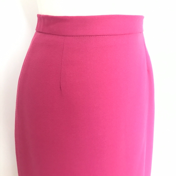 Pencil skirt,vintage skirt,knee length,pink skirt,UK 10,straight skirt,hot pink,magenta,high waist,1980s,80s skirt