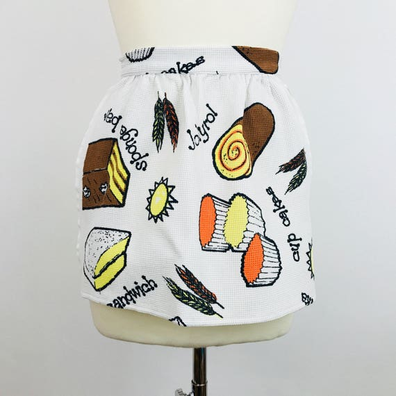 Vintage novery print cotton apron 1960s 1970s fun kitchen pinafore half pinny original waffle cotton vintage gift petite