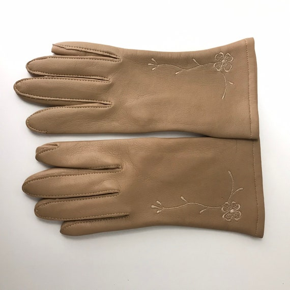 Vintage gloves, faux leather, vegan leather, short gloves, unlined, shorties, size 7, 1960s, floral embroidery, 60s accessory, 50s