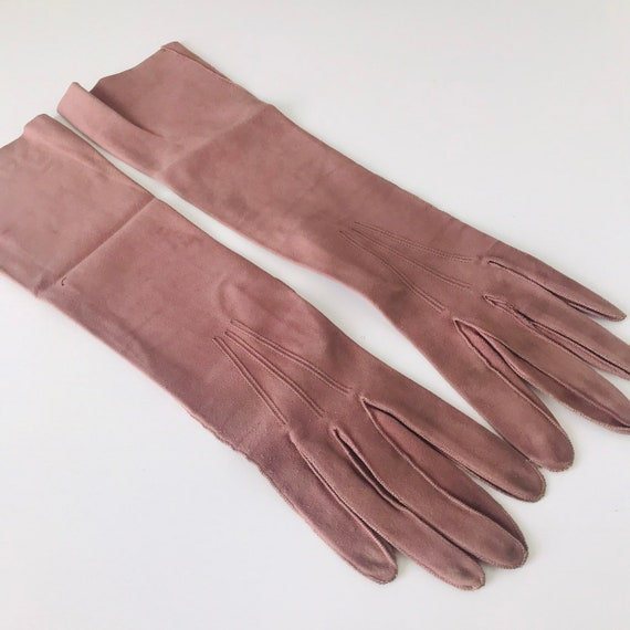 1930s gloves,mauve,purple gloves,suede long gloves,vintage gloves,leather top stitching,30s,original accesories size 5, small,fine leather