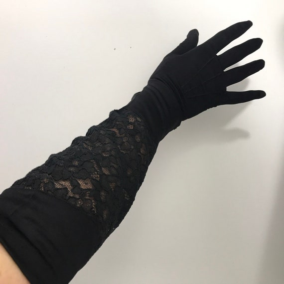 evening gloves, 1930s gloves, black lace gloves, vintage lace, long lacy size 6, vamp, glam, prom ball, wedding 1930s 1940s glamour, damaged