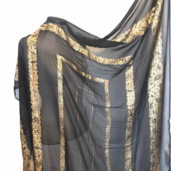 1920s shawl, lamè shawl, vintage silk chiffon,20s, 30s, sheer,giant scarf,excellent, flapper scarf,gold metallic, extra large