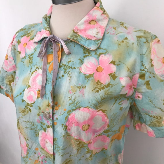 1950s rose print cotton robe flared short blue crisp house coat pink dressing gown UK 10 max cute bow