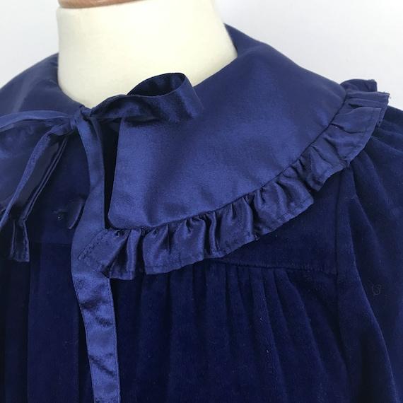 Vintage robe navy blue velour dressing gown 1980s long maxi housecoat 70s frilly satin nightwear UK 12 bow tie velvety