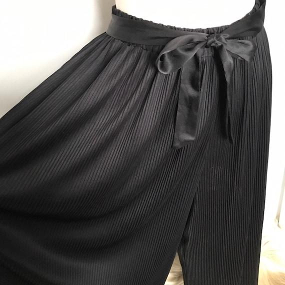 vintage pants,wide leg pants,black trousers,plisse,palazzo pants,high waisted, 1980s,elasticated waist,UK 14,culottes,pleated, knife pleat