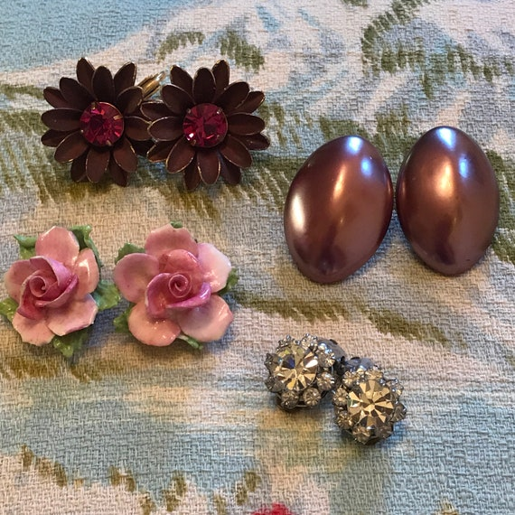 1950s earrings 4 pair lot clip ons vintage rose coalebrook studs diamante, big daisy studs,  50s glam pin up, glass studs 1960s jewellery,