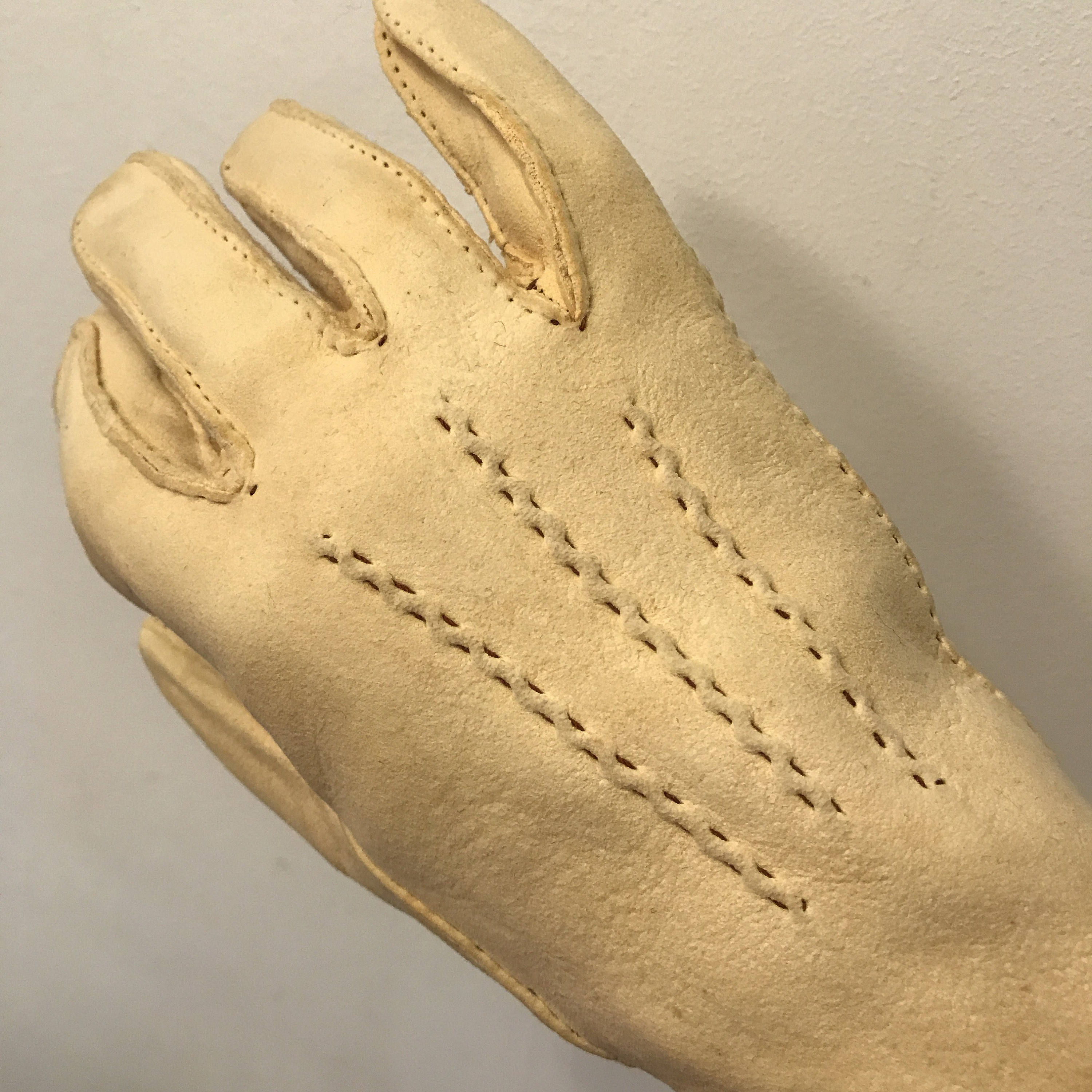 82d5ae11d 1940s cream suede gloves vintage leather top stitching 1930s original ...