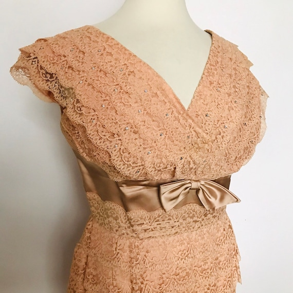 Vintage lace dress,blush,nude,claw set diamante,evening gown,lacy,straight cut,bow,1950s,cocktail dress,50s,UK 14,16,bridesmaid,wedding