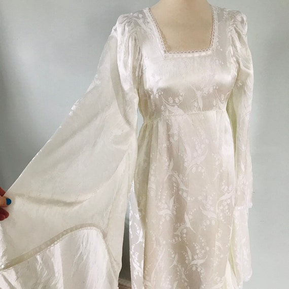 Vintage wedding dress, 1970s,vintage bridal gown,white,prairie,satin,lily of valley,huge flared sleeves,square neck,butterfly sleeves,UK 10