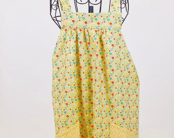 Easy On Smock Apron - Cover Up Apron - Retro Apron