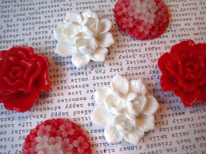 Wedding Favors 6 pc Flower Magnets Housewarming Gifts Locker Magnets Large Fridge Magnet Red and White Magnets
