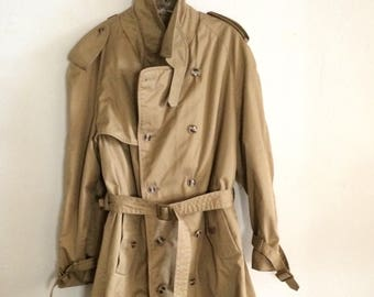 Vintage Mens Trench Coat Double Breasted Size 44R Made in Romania, Vintage Outerwear (STB)
