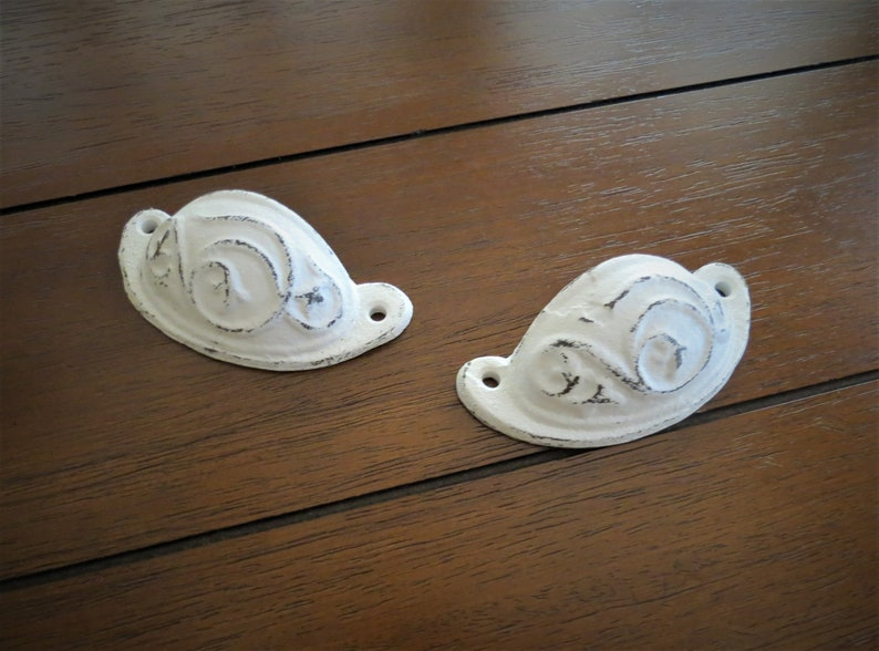 Shabby Chic Dresser Drawer Pull  Cast Iron Cabinet Knob  Antique White Drawer Handle  Antiqued Vintage Retro Farmhouse Style  Pick Color