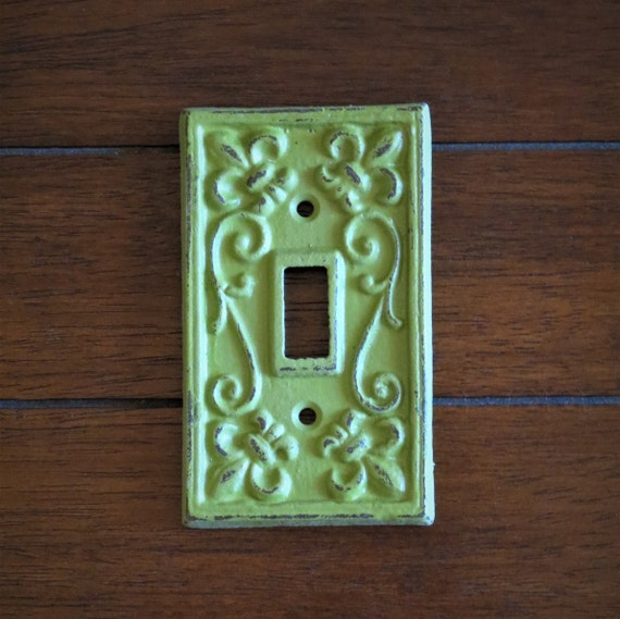 Cast Iron Double Switch Plate Old World Rustic fleur-de-lis design