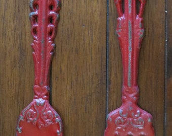 Shabby Chic kitchen wall décor/Metal fork and spoon/Colonial Red or Pick Your Color / Metal wall decor/Cast iron wall décor/Rustic décor