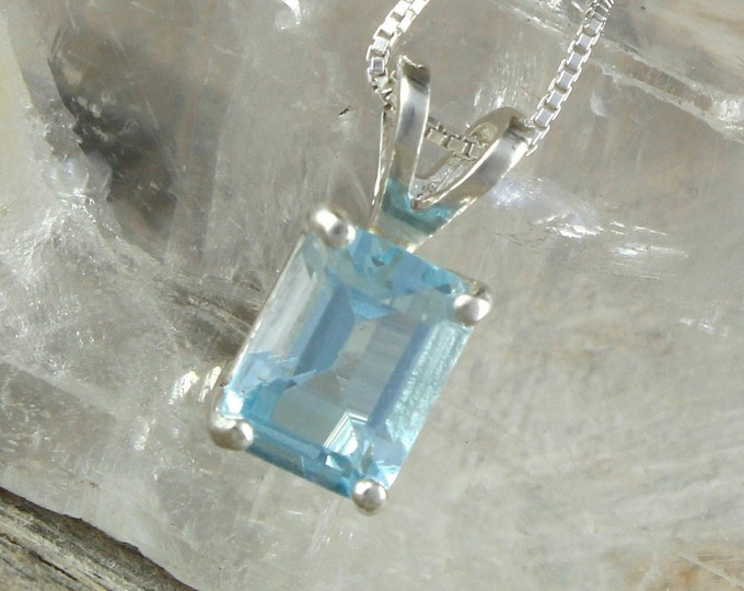 Natural Aquamarine Pendant - Sterling Silver Pendant - Aquamarine Necklace - Pendant Necklace