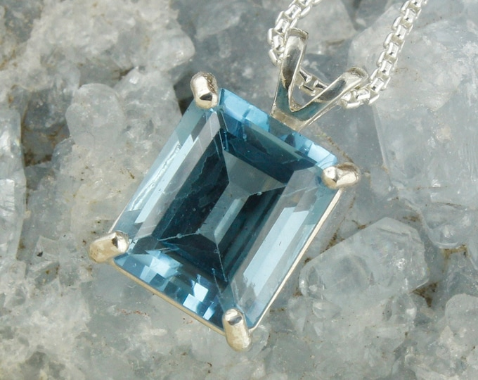 Natural London Blue Topaz Pendant- Sterling Silver Pendant Necklace - London Blue Topaz Necklace