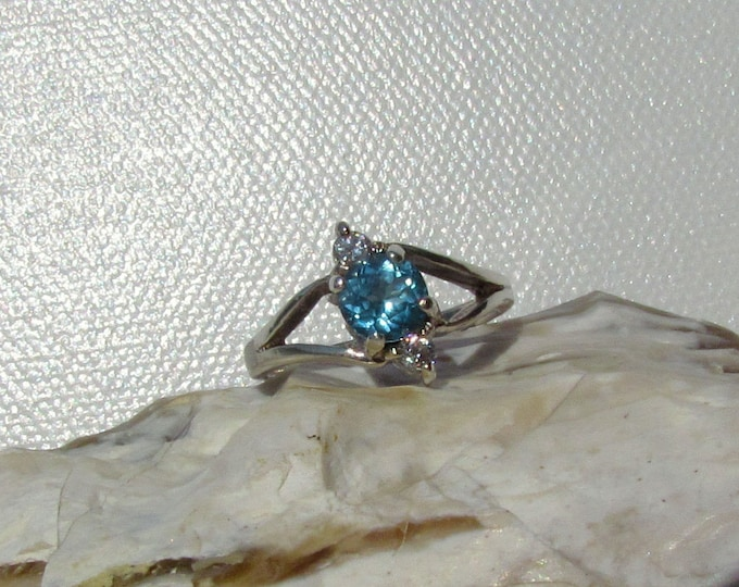 Sterling Silver Ring - Natural Swiss Blue Topaz Ring -Promise Ring - Friendship Ring - with a 6mm Swiss Blue Topaz and CZ Accent Stones