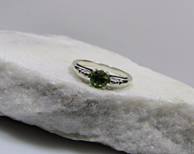 Sterling Silver Ring - Natural Green Peridot Ring -Friendship Ring - Promise Ring with 5mm Natural Peridot Gemstone