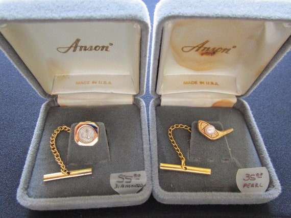 ANSON Exclusive Men/'s Fashion Minimalist Jewelry Suit Accessories Tie Tack Lapel Pin Dangle Yellow Gold Plated W Genuine Pearl Accent Chain