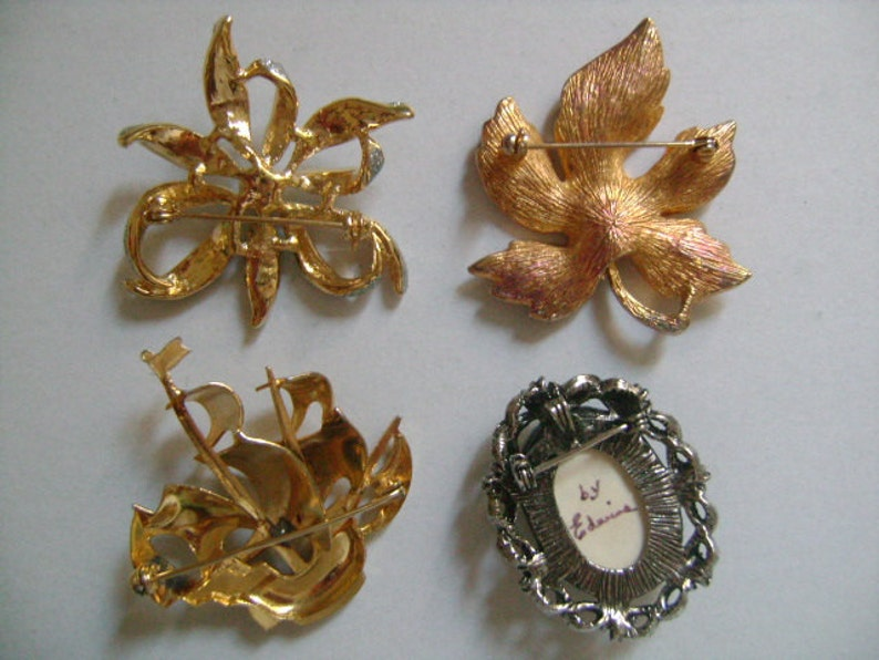 Lot 4Piece Vintage Accessories Jewelry Lovely Flower Maple Leaf GoldSilver Tone Enamel Toledo Damascene Sailboat Sailing Ship PinsBrooches