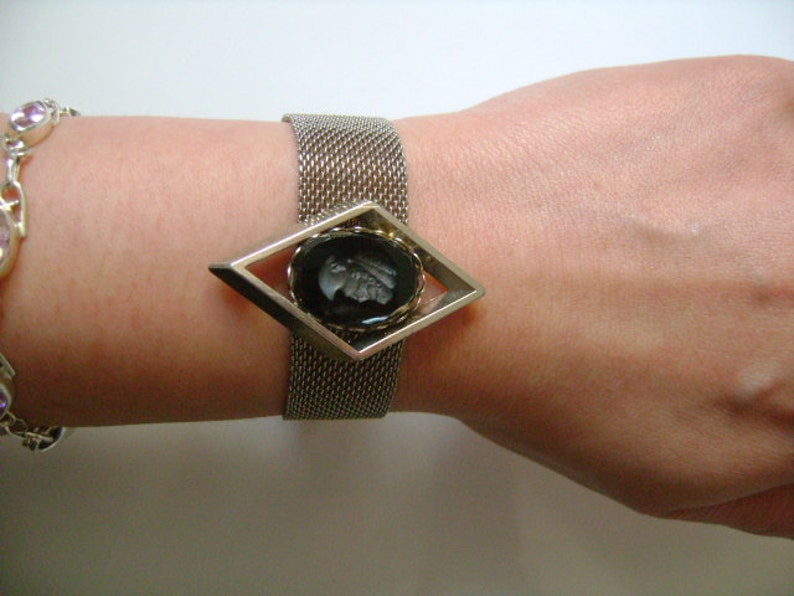 Elegant Vintage Victorian Revival Style Silver Tone Woven Mesh Black Glass Carved Lady Cameo Bracelet Safety Chain /& Dangle Ball Bead Accent